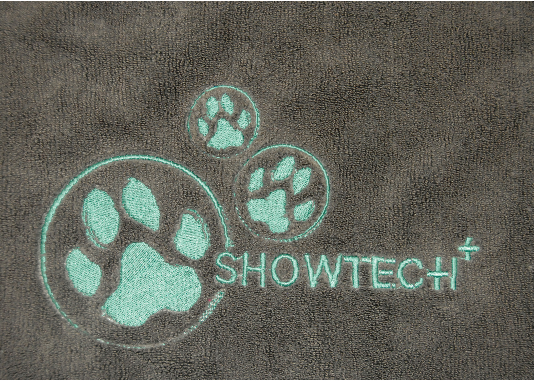 Show Tech+ Microfibre Towel with Embroidery 56x90cm Grey Pet Towel