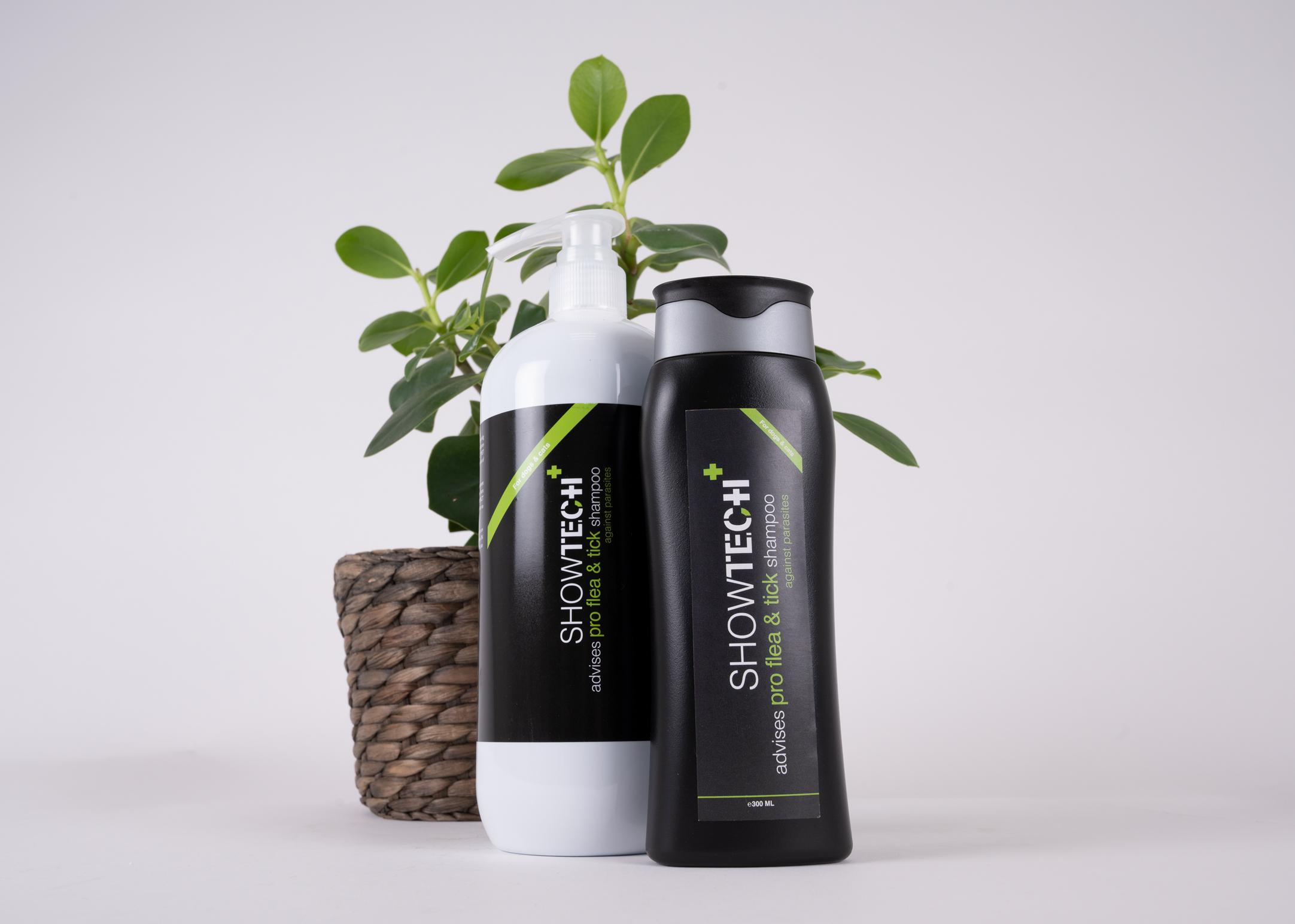 Show Tech+ Pro Flea & Tick 300 ml Shampoo
